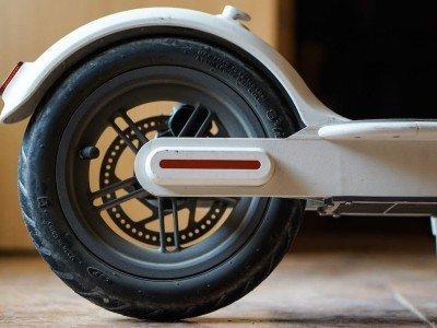 cambiar rueda patinete xiaomi