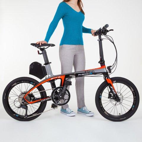bicicleta electrica plegable con chica