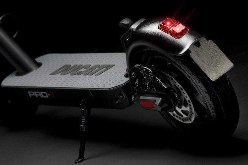 Patinete eléctrico Ducati Pro 2 parte inferior