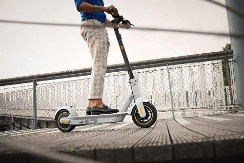 Ninebot KickScooter MAX G30LE II carretera